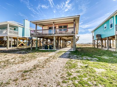 Photo for Lovely dog-friendly beach home w/ free WiFi and cable - walk to beach access!