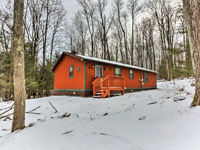 Photo for Lake Ariel Home w/Grill & Community Amenities