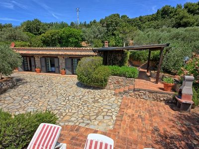 Photo for Wonderful  villa for 5 people with WIFI, TV, patio, pets allowed, panoramic view and parking