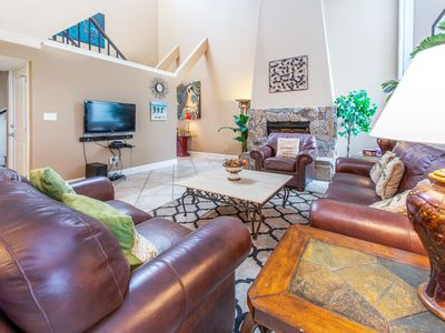 Photo for Shoreline Towers Townhome#4-3☀DEAL>Dec 5 to 8 $623 Total! LakeFront☀ FunPass!