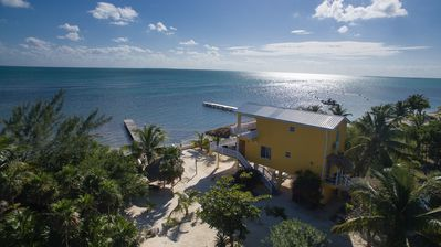Casa de Mango, Private oceanfront home on the beach with private pier