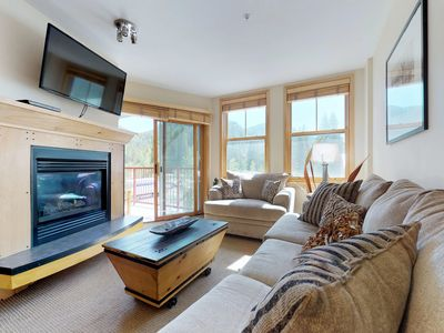 Photo for NEW LISTING! Cozy condo w/shared hot tub, mountain views, steps from skiing