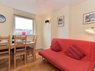 Photo for Apartment 1.1 km from the center of London with Lift, Internet, Washing machine (325517)