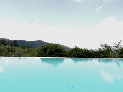 Photo for Charming Sagrantino with salty infinity pool and cooking school
