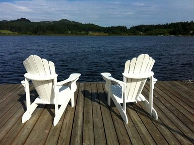 Relax and enjoy the lake  Swim, fish, canoe or paddleboat from the dock