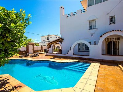 Photo for Villa 500 meters from the fine sand beach with pool, barbecue and wifi