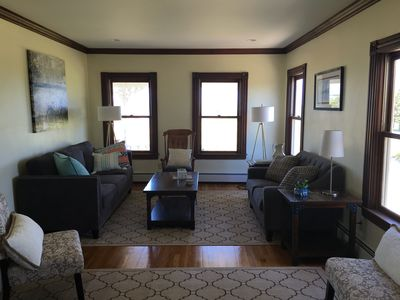 Beautiful year-round 5 bedroom close to town and beaches!