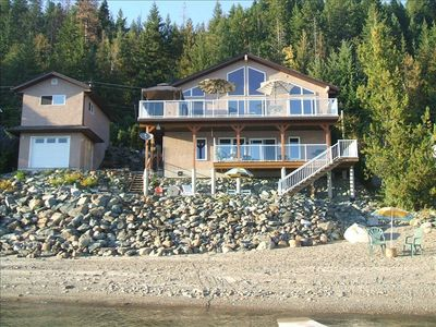 Waterfront, private lower suite, deck, beach, dock
