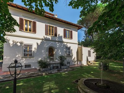 Photo for Charming period villa with swimming pool 15 minutes from Florence
