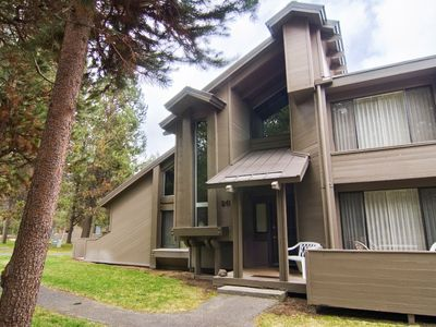 Photo for 26 Tennis Village: 2 BR / 2 BA loft condo in Sunriver, Sleeps 8