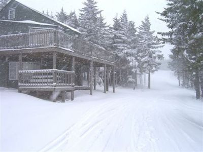 Photo for PRIVATE HOT TUB, 7 BEDROOMS, 4 BATH  SKIERS PARADISE LOCATION