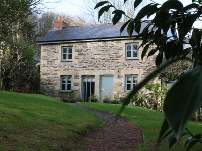 Photo for Charming Cottage With Easy Access To The Eden Project, Lost Gardens Of Heligan