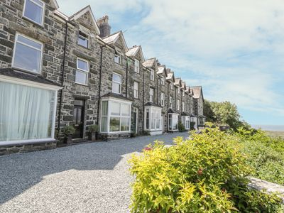 Photo for 3 BRONWEN TERRACE, pet friendly in Harlech, Ref 914283