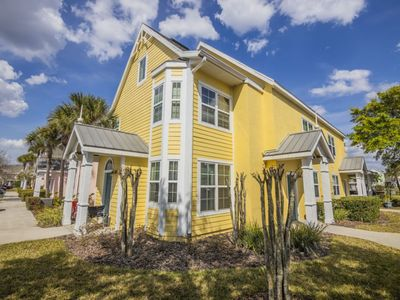 Photo for Spacious Interior - Free Wi-Fi - Near Disney - Runaway Beach
