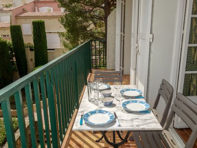 Photo for Apartment 1.4 km from the center of Saint-Cyr-sur-Mer with Internet, Parking, Balcony, Washing machine (103409)