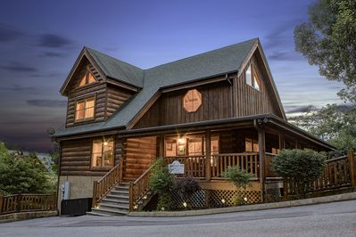 Detail Oriented? We are your Cabin! Outstanding Amenities, Will NOT  Disappoint! - Pigeon Forge
