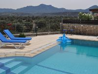 Lovely, clean and well maintained villa with a great pool & views