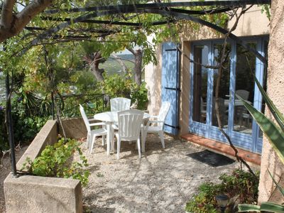 Photo for Delightful ground floor apartment in villa, in Cassis, accommodation 4 people