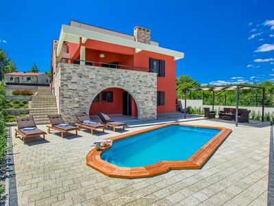 Photo for Villa with pool near the beach in Zadar