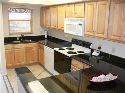 Newly remodeled kitchen-granite,beautiful cabinets