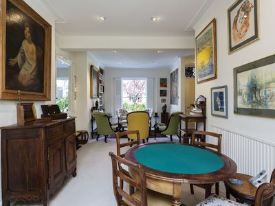 Photo for Traditional family home sleeping 8, located in the chic area of Chiswick (Veeve)