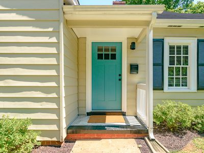 Photo for Charming and Chic near UNCSA and Downtown Winston-Salem