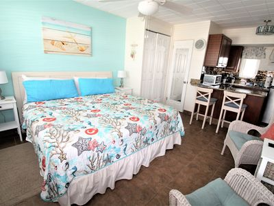Photo for Tropic Terrace 31 Second Floor Studio King Bed Pool Side Treasure Island WIFI