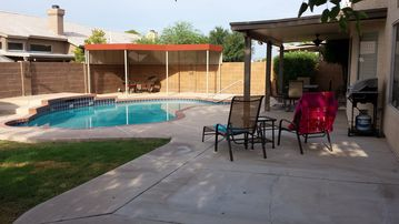 Great Location, Private Heated Pool, No Hidden Fees, Grill/Hiking/Free WiFi