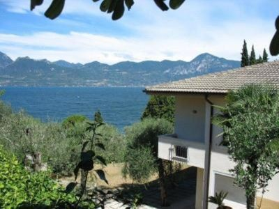 Photo for Villa Lilium - house with garden on Lake Garda