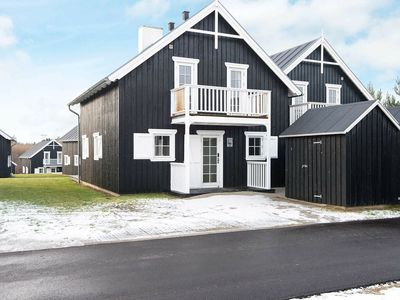 Photo for Spacious Holiday Home with Private Pool in Jutland