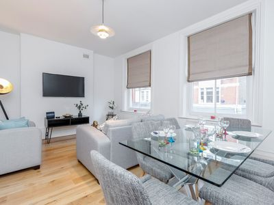 Photo for Deluxe 4 BR Oxford Circus Apartment With Terrace