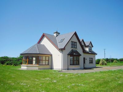 Photo for 4 bedroom property in Kilmore Quay.