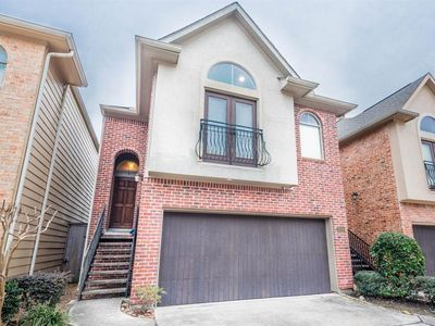 Photo for Downtown Upscale Town Home. Private Pool & Jacuzzi