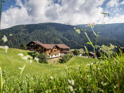 Photo for Apartment for 2-4 persons - Peintnerhof - healing landscape