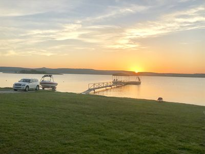 Boat ramp, Boat dock and Sunsets.  Welcome to lake life at Galsswater Getaway!