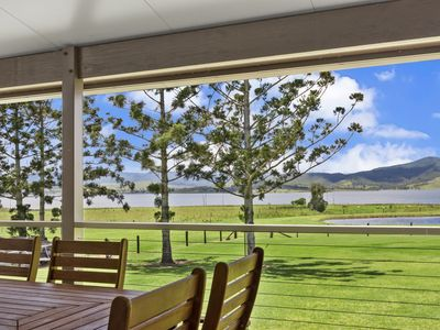 Photo for Somerset Dam Family Getaway - Holiday House in Hazeldean
