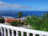 Very Well equipped apartment with a wonderfull terrasse and full seaview. With a small baby we spent