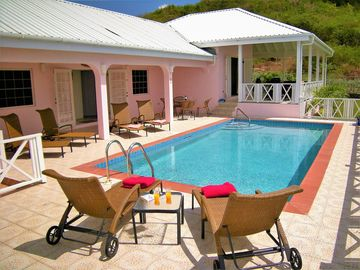 Exclusive 3 bed or 4 bed Pool Villas with 5* Hotel facilities by Jolly Harbor