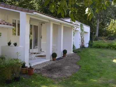 Photo for Beautiful outbuilding 20 minutes from Bordeaux