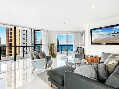 Photo for Luxurious Beach Apartment with Ocean Views and a Fantastic Location