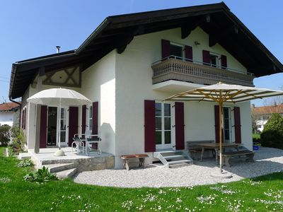 Photo for Detached house with garden in a quiet location - a few minutes to the lake