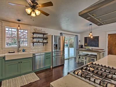Photo for Mountainside Lovers Oasis w/ Deck, Walk to Trails!