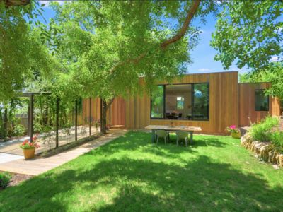 Photo for Stylish Central Austin Compound: 2 Houses, 3br/3.5ba, Luxe Amenities