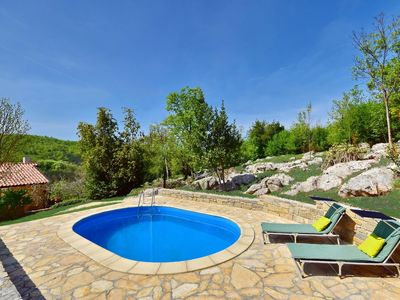 Photo for Nice apartment for 7 guests with private pool, WIFI, hot tub, A/C, TV, pets allowed and parking