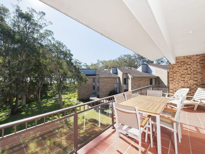 Photo for 49 'Bay Parklands', 2 Gowrie Ave - ducted aircon, views, pool, tennis