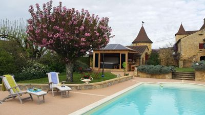 Photo for Charming house classified 4 * -Jacuzzi-heated pool Near Sarlat