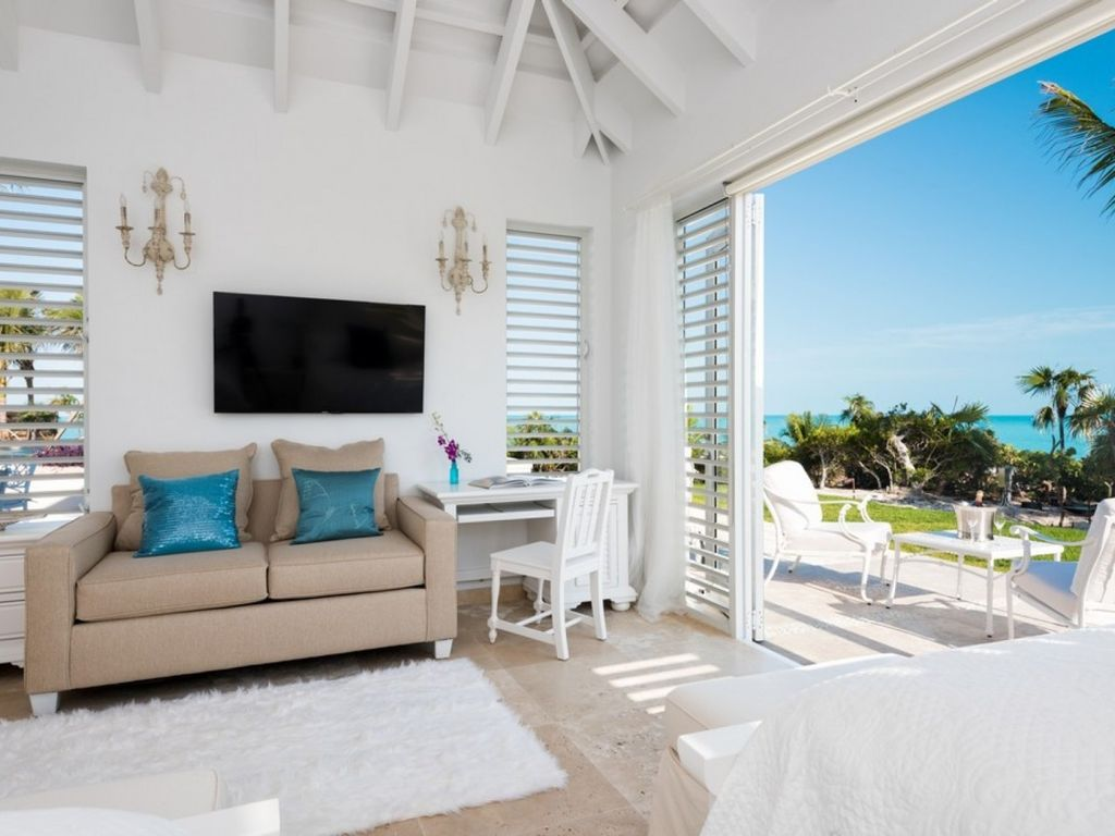 *Please Enquire* Specials available on certain week. Magnificent 8 bedroom villa on Long Bay Beach