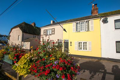 Gull Cottage, Sidmouth, Devon by the sea