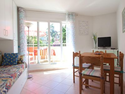 Photo for Sunny&quiet apartment with terrasse&aircon, Nice centre, 230m far from the beach