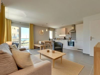 Photo for Hardelot-Plage, apartment in a luxury villa on the seafront (2/4 p.)